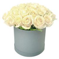 Композиция из белых роз Жемчужина Красоты
